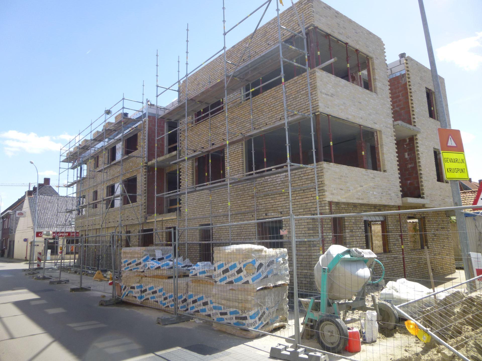 http://www.cokelaerebouwteam.be/wp-content/uploads/2015/04/project_nieuwbouw_appartementen_bouw_cokelaerebouwteam_1.jpg